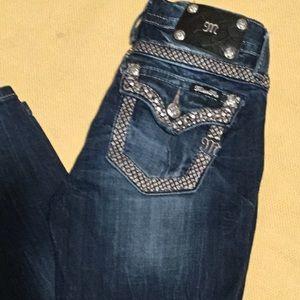 ♥️$31 SALE Miss Me Skinny Jeans.